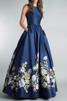 Evening gowns with sleeves, bcbg dresses, floral print gowns, printed gowns, Grad Dresses, Modest Dresses, Stylish Dresses, Elegant Dresses, Pretty Dresses, Strapless Dress Formal, Fashion Dresses, Formal Dresses, Floral Prom Dresses