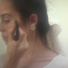 DRAWING BRIGHT | A reimagined how-to of our Skin Illuminator as part of a series exploring 'Beauty As Ritual' in collaboration with artist Isa Killoran. The first installment of the series is now available to view on makebeauty.com.  Film: @isabellakilloran, Executive Producer: Ariana Mouyiaris, MAKE  #beautyasritual #languageoflight #drawingbright #light #illumination #reflection #skin #weseebeauty #skinilluminator #makebeautyofficial #film #artist #femaleartist #collaboration…