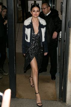 Selena Gomez Celebrity Style Outfits Smash 2016 Paris Fashion Week London (Vogue.co.uk)