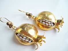 SUMMER SALE---------Pearl Pomegranate Earring