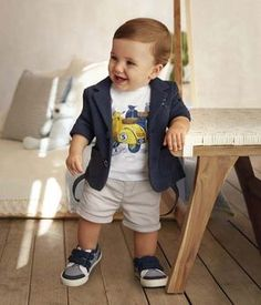 Baby Boys Retro Scooter T-Shirt in White www.KidsWithStyle… Baby Jungen Retro Roller T-Shirt in Weiß www. Toddler Boy Fashion, Little Boy Fashion, Toddler Boys, Kids Boys, Fashion Kids, Latest Fashion, Fashion Fashion, Fashion Outfits, Cute Baby Boy Outfits