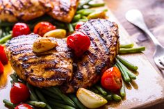 Zesty Grilled Blackened Chicken With Veggies Cajun Recipes, Paleo Recipes, Chicken Recipes, Cooking Recipes, Quick Meals, No Cook Meals, Grill Meals, Food Dishes, Main Dishes