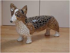 Corgi Mosaic Dog Sculpture by Sue Edkins Mosaic Crafts, Mosaic Projects, Mosaic Art, Mosaic Garden, Mosaic Ideas, Mosaic Glass, Garden Projects, Mosaic Designs, Mosaic Patterns