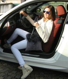 Borsa tracolla pelliccia lapin e mongolia pelle stampata effetto jeans interno pelo bianco manici pelle by AtelierUnipel #italiasmartteam #etsy