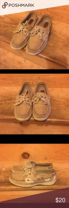 Sperry boat shoes These Sperrys are used however they still ha e a lot of life left, good condition. Beige color and comfortable. Smoke free home and no pets. Sperry Top-Sider Shoes Flats & Loafers