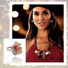 Elegatný, mohutnejší náhrdeník zvýrazní outfit každej ženy #luxusnabizuteria #bizuteria #prsten #nahrdelnik Elegant