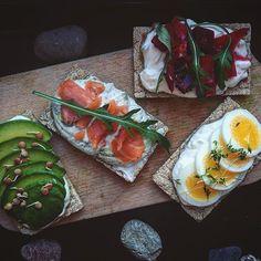 Dobré ráno. Fresh Rolls, Ethnic Recipes, Instagram Posts, Food, Meal, Essen, Hoods, Meals, Eten
