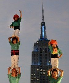 Los Castellers de Vilafranca suben sus castillos a las alturas de Nueva York