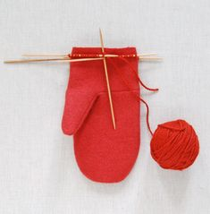 Felt mittens with a knitted cuff ~ these would be cute in fleece!
