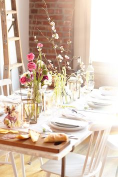 a bloom-filled housewarming party with @eccodomani http://jojotastic.com/2015/04/06/a-bloom-filled-housewarming-party/ #EccoDomani #EccoStyleSociety