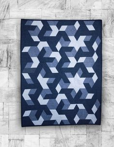 Stars in Pieces Quilt | Fabric: Chambray by Christopher Thompson for Riley Blake Designs #modernquilts #chambrayfabric #starquilt
