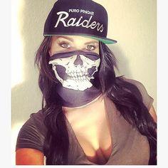 Sexy Eyes and classy Cleavage Raiders Vegas, Raiders Girl, Raiders Cheerleaders, Chola Style, Oakland Raiders Football, Billabong Girls, Brown Pride, Gangster Girl, Babe
