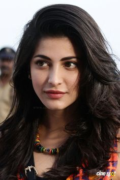 with her loving face Shruti Hasan South Indian Actress Photo, Indian Actress Photos, Indian Actresses, Beautiful Girl Indian, Most Beautiful Indian Actress, Beautiful Women, Indian Celebrities, Bollywood Celebrities, Beautiful Bollywood Actress