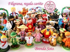Have you ever seen a quilled crowd in miniature? - Here it is - by: Brenda Soto