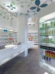 10 design pharmacies: interior design that heals Design Exterior, 3d Interior Design, Interior Design Services, Corporate Design, Retail Design, Online To Offline, Design Visual, Pharmacy Store, Cosmetic Shop