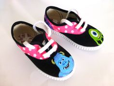 Zapatillas pintadas a mano-Hand painted shoes www.sweetlittleshoes.com