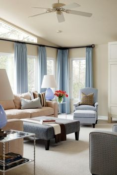 I think I will make my living room blue, tan and white like the beach!