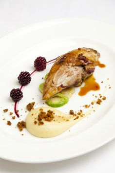 Nadire Atas on Foodie Journey Roast pheasant breast with parsnip purée, parkin and pickled brambles by James Mackenzie Recipe For Pheasant Breast, Breast Recipe, Gourmet Recipes, Cooking Recipes, Gourmet Foods, Gourmet Desserts, Pheasant Recipes, Parsnip Puree, Plated Desserts