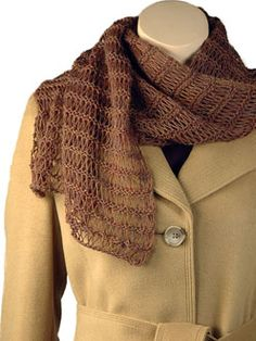 Free pattern for a light as air scarf knit in a very easy extended stitch.