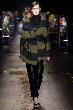 #DriesVanNoten  #fashion  #Koshchenets   Dries Van Noten Spring 2017 Ready-to-Wear Collection Photos - Vogue