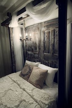old door headboard.i need to find an old door! Home Bedroom, Bedroom Decor, Bedroom Rustic, Bedroom Romantic, Bedroom Ideas, Bedroom Simple, Bed Ideas, Calm Bedroom, Mansion Bedroom