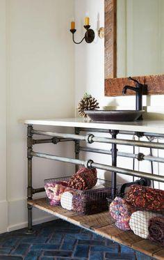 Interior design ideas living tube bathroom DIY industrial style shelves towel Wohnidee