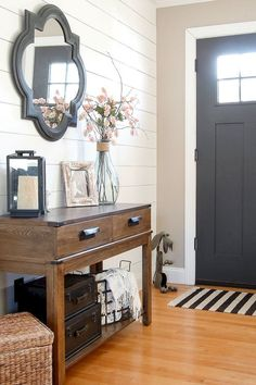 Catchy farmhouse rustic entryway decor ideas (13)
