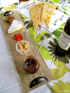 How to make a cheeseboard out of leftover ceramic tile...great inexpensive gift idea!