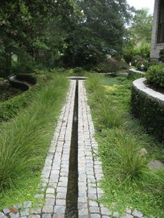 Simple rill and could be in keeping with grass/prairie plantings. Simple rill and could be in keeping with grass/prairie plantings. Garden Edging, Garden Pool, Water Garden, Garden Landscaping, Pool Water Features, Water Features In The Garden, Back Gardens, Outdoor Gardens, Landscape Architecture