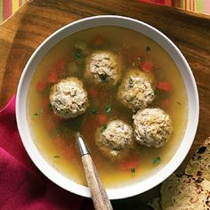 This easy Mexican vegetable and meatball soup (caldo de albóndigas) recipe will warm you inside and out with its aromatic goodness and natural flavors. Mexican Dinner Recipes, Mexican Dishes, Mexican Cooking, Mexican Meatball Soup, Mexican Meatballs, Turkey Meatballs, Wedding Soup, Cooking White Rice, Vegetable Soup Recipes