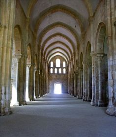 L'Abbaye de Fontenay, un des plus anciens monastères cisterciens de France