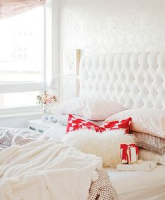 5 ways to romanticize your bedroom {PHOTO: Janis Nicolay}