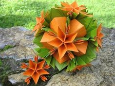 Origami ✿ Asterix ✿ Kusudama little flower video is here: http://www.youtube.com/watch?v=yBk4EeojnOY