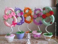 Топиарий на 8 марта. Мастер-класс | Домохозяйка Diy Craft Projects, Diy And Crafts, Projects To Try, 8 Martie, Happy Woman Day, Quilling Techniques, 8th Of March, Valentines Day Decorations, Ribbon Crafts