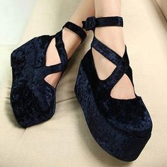 Buy 'Mancienne – Cross-Strap Platform Flat' with Free International Shipping at YesStyle.com. Browse and shop for thousands of Asian fashion items from China and more!