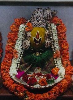 Kalash Decoration, Ganpati Decoration Design, Diwali Decorations At Home, Festival Decorations, Clay Ganesha, Lord Rama Images, Spiritual Religion, Good Morning Animation, Luxury Wedding Decor