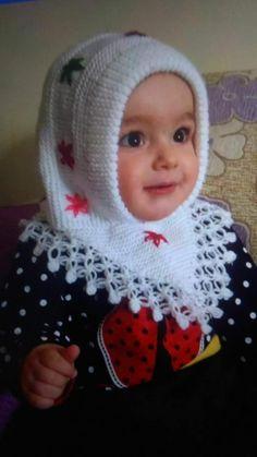 Baby Girl Crochet, Crochet Baby Clothes, Baby Knitting Patterns, Crochet Crafts, Knit Crochet, Knit Baby Booties, Baby Hats, Baby Dress, Knitted Hats