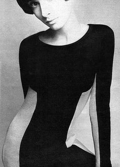 Two-toned dress c. 1967. Paraphernalia boutique employed some of the most innovative designers of the 1960s: Betsey Johnson, Deanna Littell & imported from England the designs of Mary Quant, Foale and Tuffin & Paul Blanche. It was the hippest boutique in New York in the 1960s, showcasing new fashions and hosting opening parties that were legend. Betsey became part of the youthquake fashion movement and Andy Warhol's underground scene, along with Edie Sedgwick #ParaphernaliaBoutique #Sixties