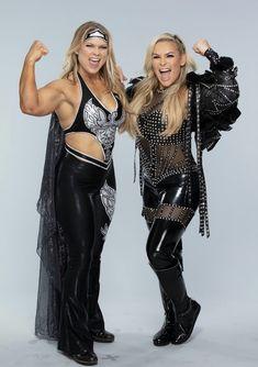 Wrestling Superstars, Wrestling Divas, Women's Wrestling, Beth Phoenix, Wwe Girl Wrestlers, Wwe Girls, Wwe Womens, Professional Wrestling, Amor