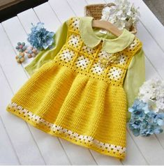 Discover thousands of images about Mary Helen artesanatos croche e trico: Vestidos bebe Crochet Toddler, Baby Girl Crochet, Crochet Baby Clothes, Crochet For Kids, Vestidos Bebe Crochet, Girls Knitted Dress, Baby Sweaters, Beautiful Crochet, Kind Mode