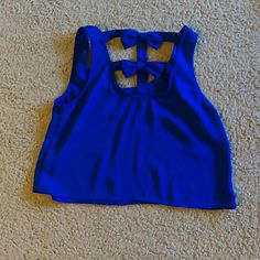 Crop Tank top (Sale🎊🎉🎇🌌) Tank top with bow in the back Charlotte Russe Tops Crop Tops