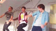 Work it boys!!!! Liam is pretty good......!!!!!! (GIF)