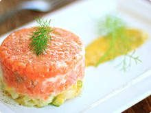Tartare de salmão.. Can't wait to cook this!! I love tartar!!