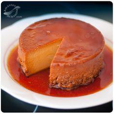 Este flan de dulce de leche es un postre fácil y rápido de preparar, además de económico y muy sabroso. Es muy similar al quesillo de dulce de leche venezolano.