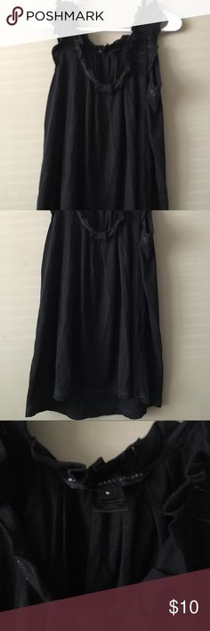 Marc Jacobs Ruffle  Neckline Black Top Size Small Marc Jacobs Ruffle  Neckline Black Top Size Small Marc by Marc Jacobs Tops