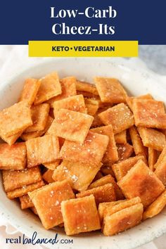 These Cheez-Its are the perfect snack for your low-carb diet! This recipe is low-carb, keto, gluten-free, grain-free, vegetarian, refined-sugar-free, and only 2.2g net carbs per serving! #keto #lowcarb #primal #snack #ketosnack #healthysnack #lowcarbsnack #StomachFatBurningFoods Healthy Diet Recipes, Keto Snacks, Low Carb Recipes, Snack Recipes, Primal Recipes, Diabetic Snacks, Paleo Meals, Paleo Food, Healthy Food