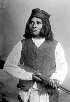 Apache Warrior with Winchester Rifle - 1884 Apache Native American, Apache Indian, Native American Photos, Native American History, American Art, New Mexico History, First Nations, Winchester Rifle, Native Americans