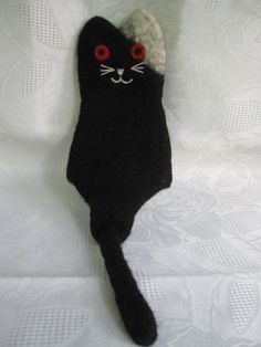 Felted Cat Glasses Case by cityofangel on Etsy, $24.00