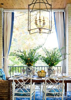 Blue and white outdoor dining - Atlanta Homes Sensational Style