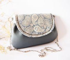 Koženková retiazková kabelka - modro-sivá   Zboží prodejce Dartaska 714cb7386ba